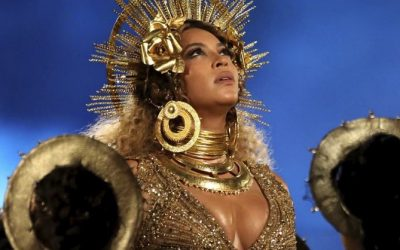 beyonce annelik grammy performansi one cikan gorsel