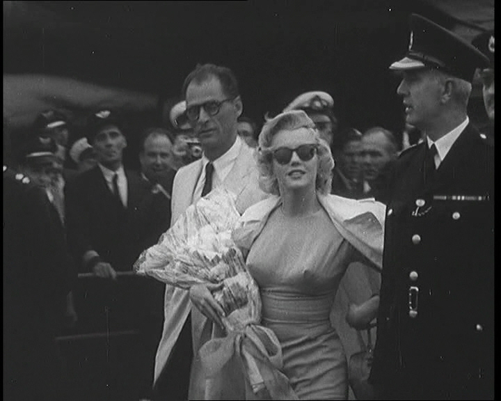 Marilyn Monroe arrives at London Airport (1956)