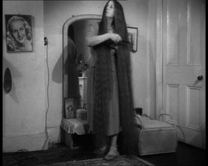 Mrs Anderson of Kensington London has the longest hair in the world british pathe ingiltere arsiv nolmus