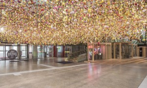 Rebecca Louise Law Berlin 30bin cicek 2