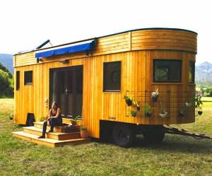 Wohnwagon living wagon yesil alternatif ahsap kulube karavan 10