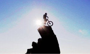danny macaskill bisiklet iskocya adrenalin video nolmus